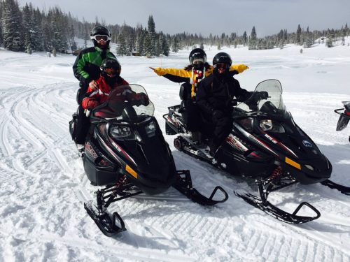 snowmobiling-1375993_960_720
